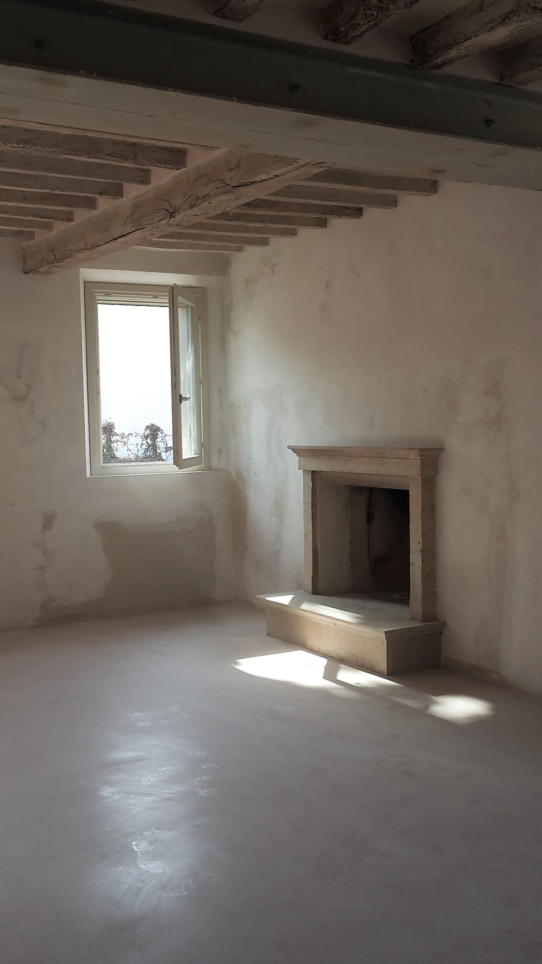 Interior - 34